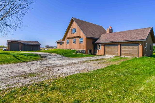 3725 N Holland Road, New Franken, WI 54229 (#50222247) :: Todd Wiese Homeselling System, Inc.