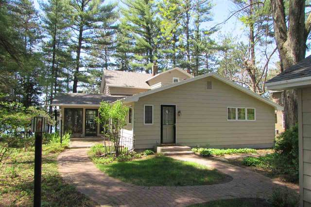 N2785 Locksley Lane, Waupaca, WI 54981 (#50222253) :: Dallaire Realty