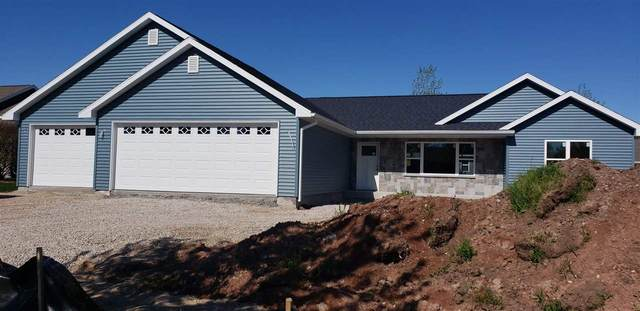 472 T-Bird Street, Fond Du Lac, WI 54935 (#50222272) :: Todd Wiese Homeselling System, Inc.