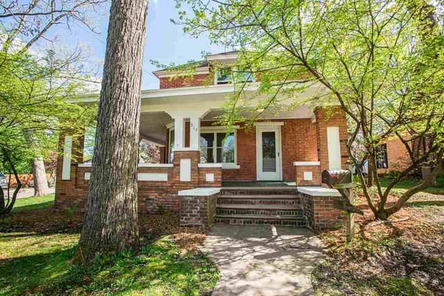 517 W Fulton Street, Waupaca, WI 54981 (#50222283) :: Todd Wiese Homeselling System, Inc.