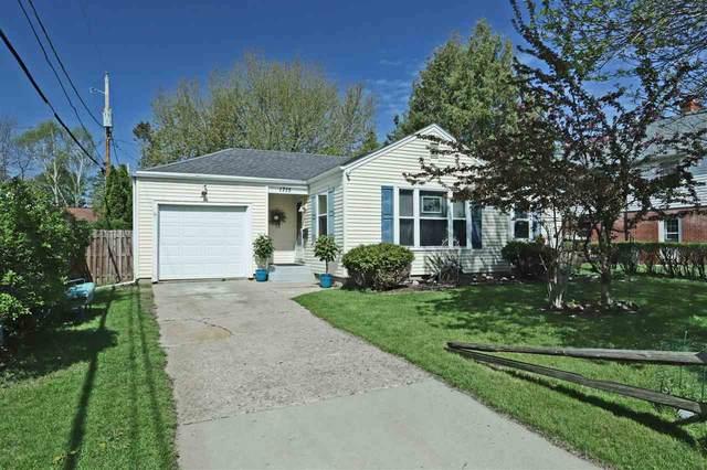 1715 N Union Street, Appleton, WI 54911 (#50222303) :: Todd Wiese Homeselling System, Inc.