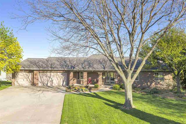1035 Crestview Drive, Wrightstown, WI 54180 (#50222337) :: Dallaire Realty