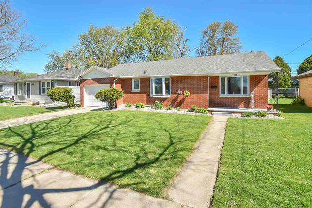 1818 W Pine Street, Appleton, WI 54914 (#50222340) :: Ben Bartolazzi Real Estate Inc