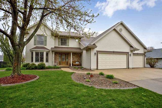 738 Applewood Drive, Kimberly, WI 54136 (#50222390) :: Todd Wiese Homeselling System, Inc.