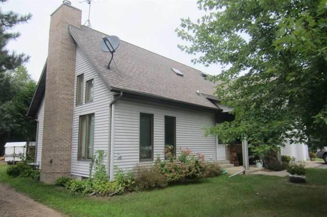 N4393 Hwy E, Waupaca, WI 54981 (#50222448) :: Todd Wiese Homeselling System, Inc.