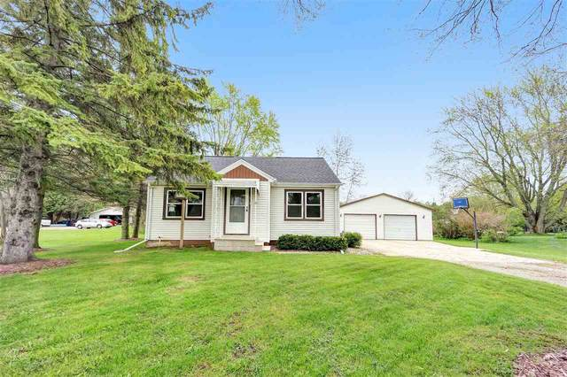 12980 Velp Avenue, Green Bay, WI 54313 (#50222472) :: Todd Wiese Homeselling System, Inc.