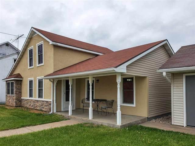 104 E Wisconsin Street, Weyauwega, WI 54983 (#50222499) :: Dallaire Realty