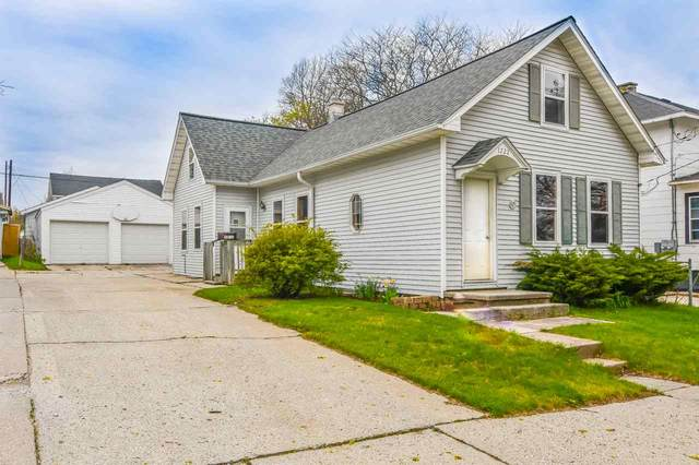 1222 S 17TH Street, Manitowoc, WI 54220 (#50222544) :: Todd Wiese Homeselling System, Inc.