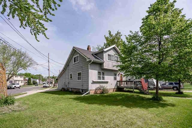 663 W Winneconne Avenue, Neenah, WI 54956 (#50222600) :: Todd Wiese Homeselling System, Inc.