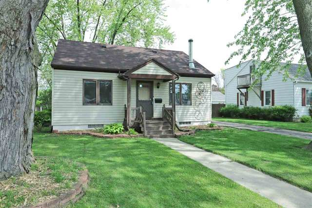 747 Madison Street, Neenah, WI 54956 (#50222605) :: Todd Wiese Homeselling System, Inc.