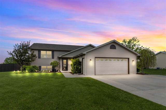 W6492 Parkview Drive, Greenville, WI 54942 (#50222617) :: Todd Wiese Homeselling System, Inc.