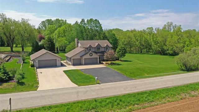 W6737 Parkview Drive, Greenville, WI 54942 (#50222623) :: Todd Wiese Homeselling System, Inc.