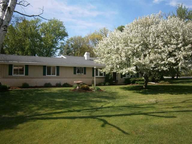 5281 Tumblebrook Drive, Oshkosh, WI 54904 (#50222627) :: Todd Wiese Homeselling System, Inc.
