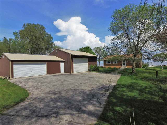 2656 Kunzer Beach Lane, Little Suamico, WI 54141 (#50222648) :: Todd Wiese Homeselling System, Inc.