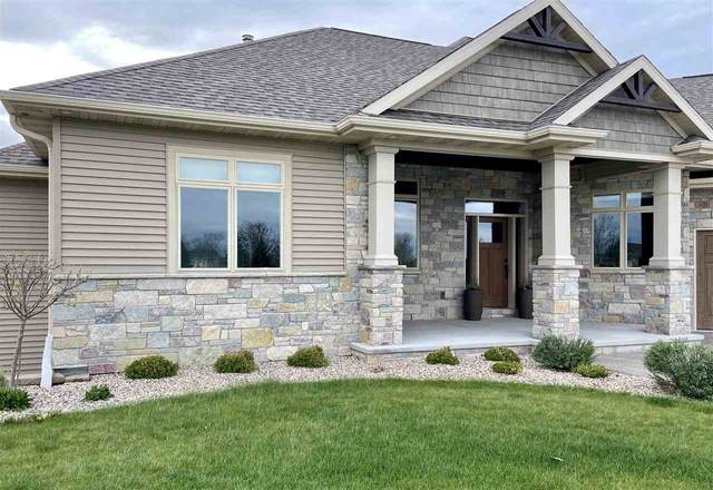 329 Windmill Drive, Kaukauna, WI 54130 (#50222681) :: Todd Wiese Homeselling System, Inc.