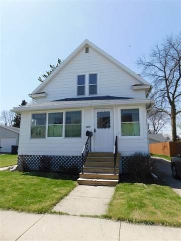 420 Walker Street, Fond Du Lac, WI 54935 (#50222691) :: Todd Wiese Homeselling System, Inc.