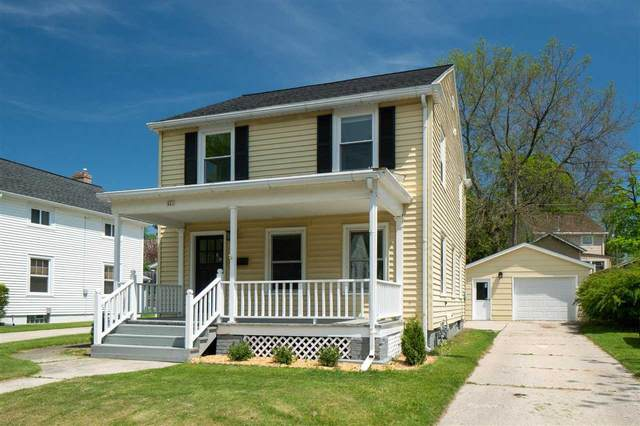 421 Riverview Drive, Manitowoc, WI 54220 (#50222694) :: Todd Wiese Homeselling System, Inc.