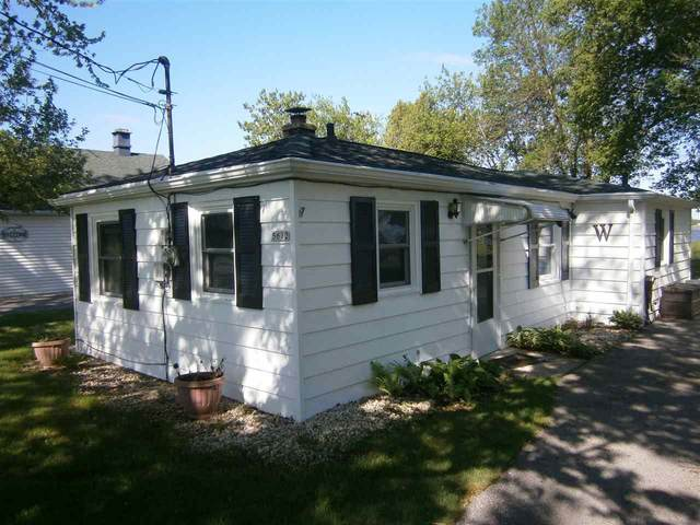 5612 W Reighmoor Road, Omro, WI 54963 (#50222758) :: Dallaire Realty