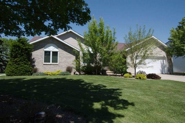 2617 Valley Heights Drive, Green Bay, WI 54311 (#50222798) :: Todd Wiese Homeselling System, Inc.
