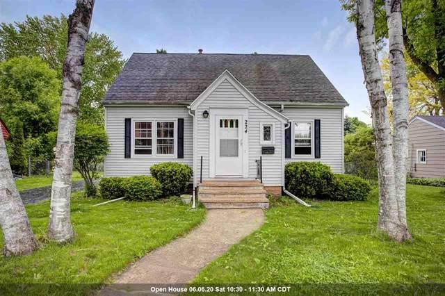 224 Cedar Street, Neenah, WI 54956 (#50222883) :: Todd Wiese Homeselling System, Inc.