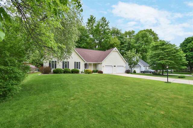 2476 Ironwood Drive, Green Bay, WI 54304 (#50222884) :: Ben Bartolazzi Real Estate Inc
