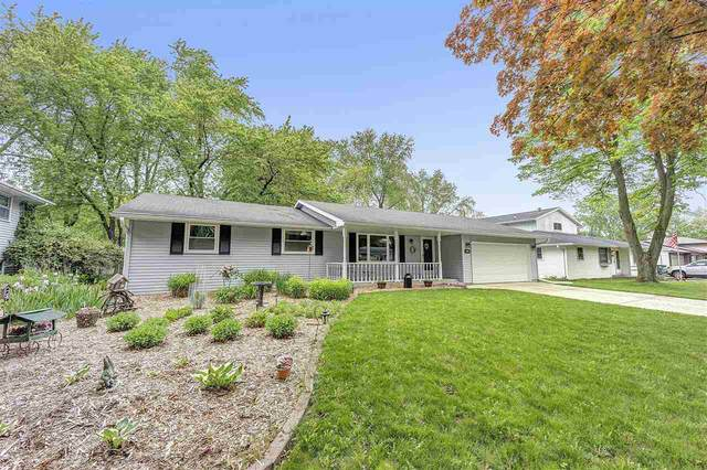 1254 April Lane, Green Bay, WI 54304 (#50222906) :: Todd Wiese Homeselling System, Inc.