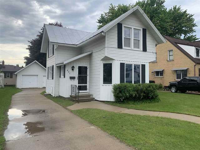 425 S Sawyer Street, Shawano, WI 54166 (#50222927) :: Todd Wiese Homeselling System, Inc.