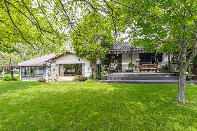 1661 Harbor Road, Oconto, WI 54153 (#50222936) :: Todd Wiese Homeselling System, Inc.