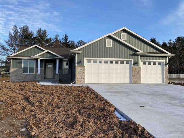 2421 Woodland Hills Drive, Menasha, WI 54952 (#50222944) :: Todd Wiese Homeselling System, Inc.