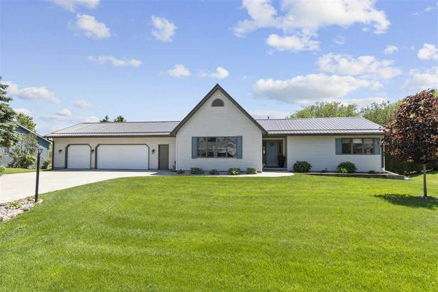 5231 White Pine Drive, Larsen, WI 54947 (#50222948) :: Dallaire Realty