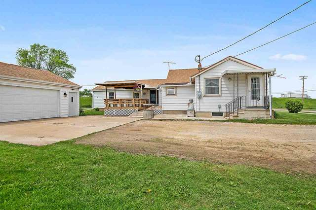 2713 S Lake Park Road, Appleton, WI 54915 (#50222966) :: Dallaire Realty