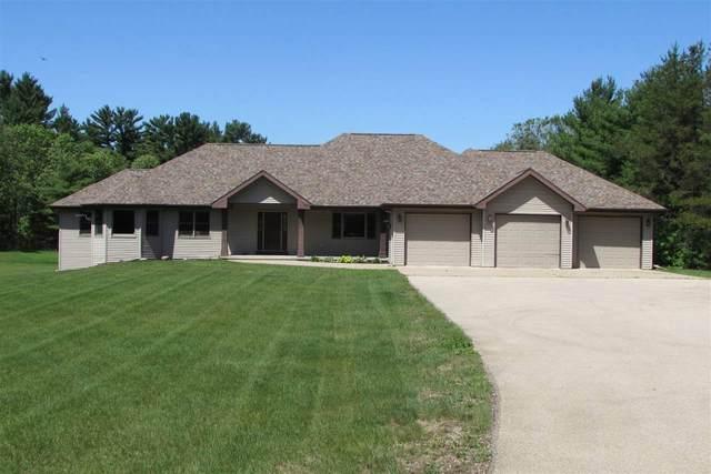 N1381 Hwy 22, Waupaca, WI 54981 (#50222975) :: Todd Wiese Homeselling System, Inc.