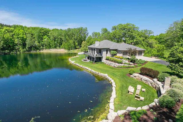 2066 Riverside Drive, Suamico, WI 54313 (#50222981) :: Symes Realty, LLC