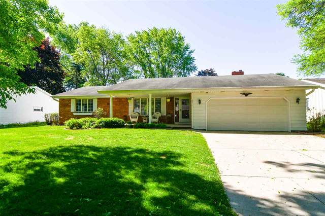 2511 Valiant Lane, Green Bay, WI 54304 (#50222998) :: Symes Realty, LLC