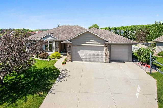 1576 Stone Hedge Court, Neenah, WI 54956 (#50223010) :: Todd Wiese Homeselling System, Inc.