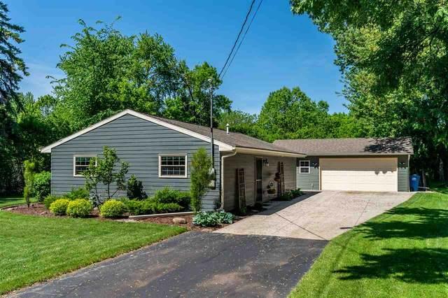 1166 N Lake Street, Neenah, WI 54956 (#50223038) :: Todd Wiese Homeselling System, Inc.