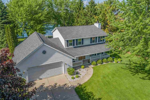 1214 Longtail Beach Road, Suamico, WI 54173 (#50223054) :: Dallaire Realty
