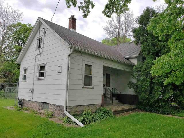 1103 Knapp Street, Oshkosh, WI 54902 (#50223073) :: Todd Wiese Homeselling System, Inc.