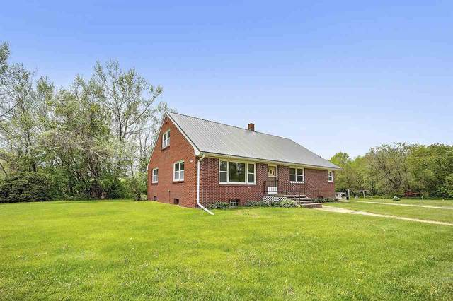 6049 Cedar Street, Abrams, WI 54101 (#50223093) :: Todd Wiese Homeselling System, Inc.
