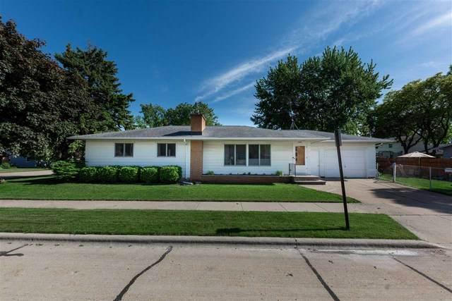 1405 Porter Avenue, Oshkosh, WI 54902 (#50223128) :: Todd Wiese Homeselling System, Inc.