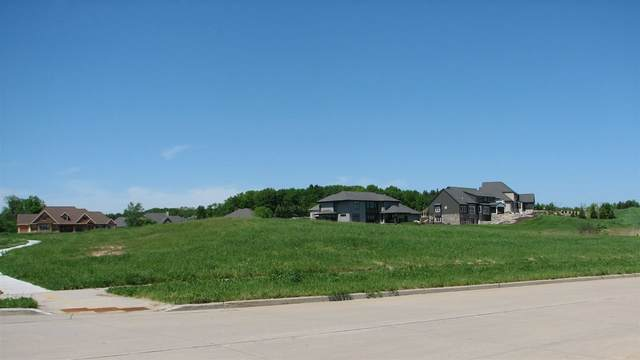 E Apple Hill Boulevard, Appleton, WI 54913 (#50223141) :: Todd Wiese Homeselling System, Inc.