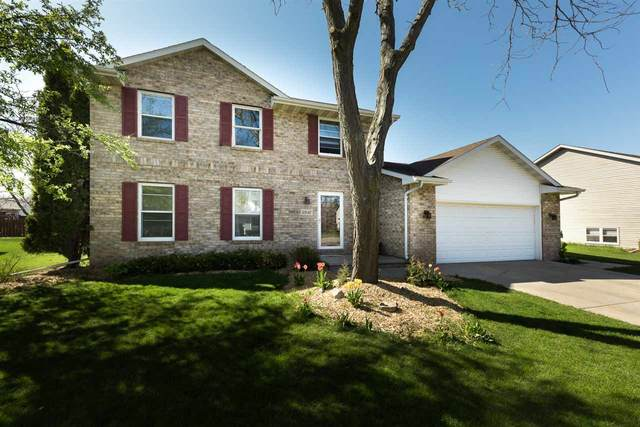 2842 Ruschfield Drive, Oshkosh, WI 54904 (#50223149) :: Todd Wiese Homeselling System, Inc.