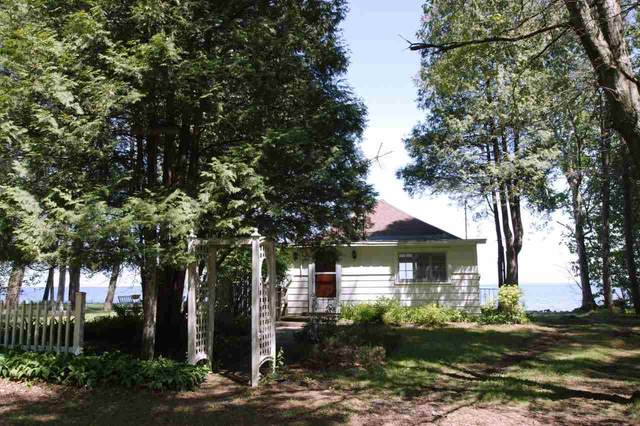N1352 Shore Drive, Marinette, WI 54143 (#50223157) :: Todd Wiese Homeselling System, Inc.