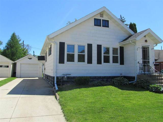 300 E 11TH Street, Fond Du Lac, WI 54935 (#50223158) :: Todd Wiese Homeselling System, Inc.