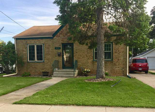 1217 9TH Street, Green Bay, WI 54304 (#50223182) :: Todd Wiese Homeselling System, Inc.
