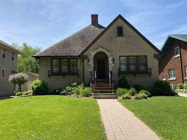 290 Sheboygan Street, Fond Du Lac, WI 54935 (#50223204) :: Todd Wiese Homeselling System, Inc.