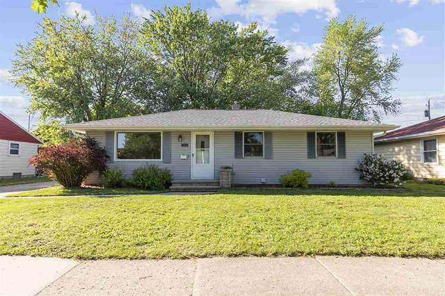 1504 W 3RD Street, Kimberly, WI 54136 (#50223291) :: Dallaire Realty