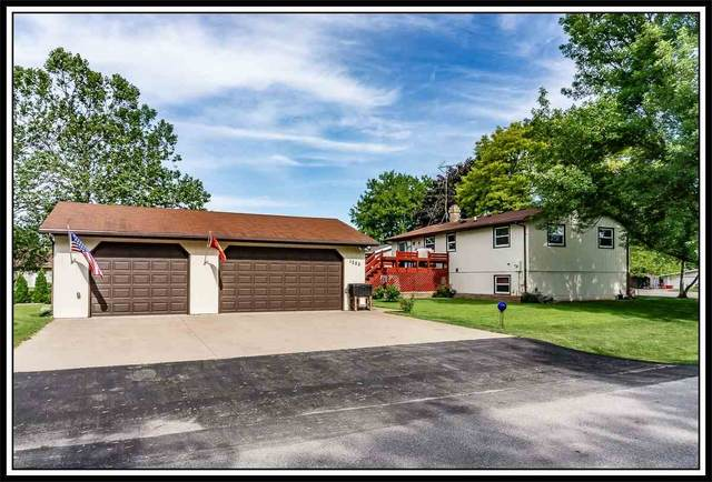 1222 Lake Breeze Road, Oshkosh, WI 54904 (#50223363) :: Todd Wiese Homeselling System, Inc.