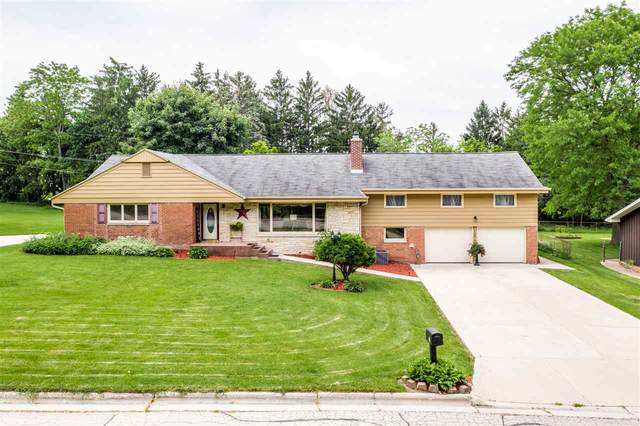121 Rose Lawn Boulevard, Green Bay, WI 54301 (#50223403) :: Symes Realty, LLC