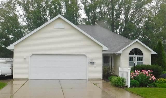 3753 Heron Lane, Green Bay, WI 54311 (#50223413) :: Todd Wiese Homeselling System, Inc.